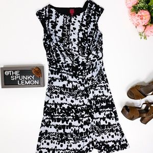 212 COLLECTION Black & White Cap Sleeve dress